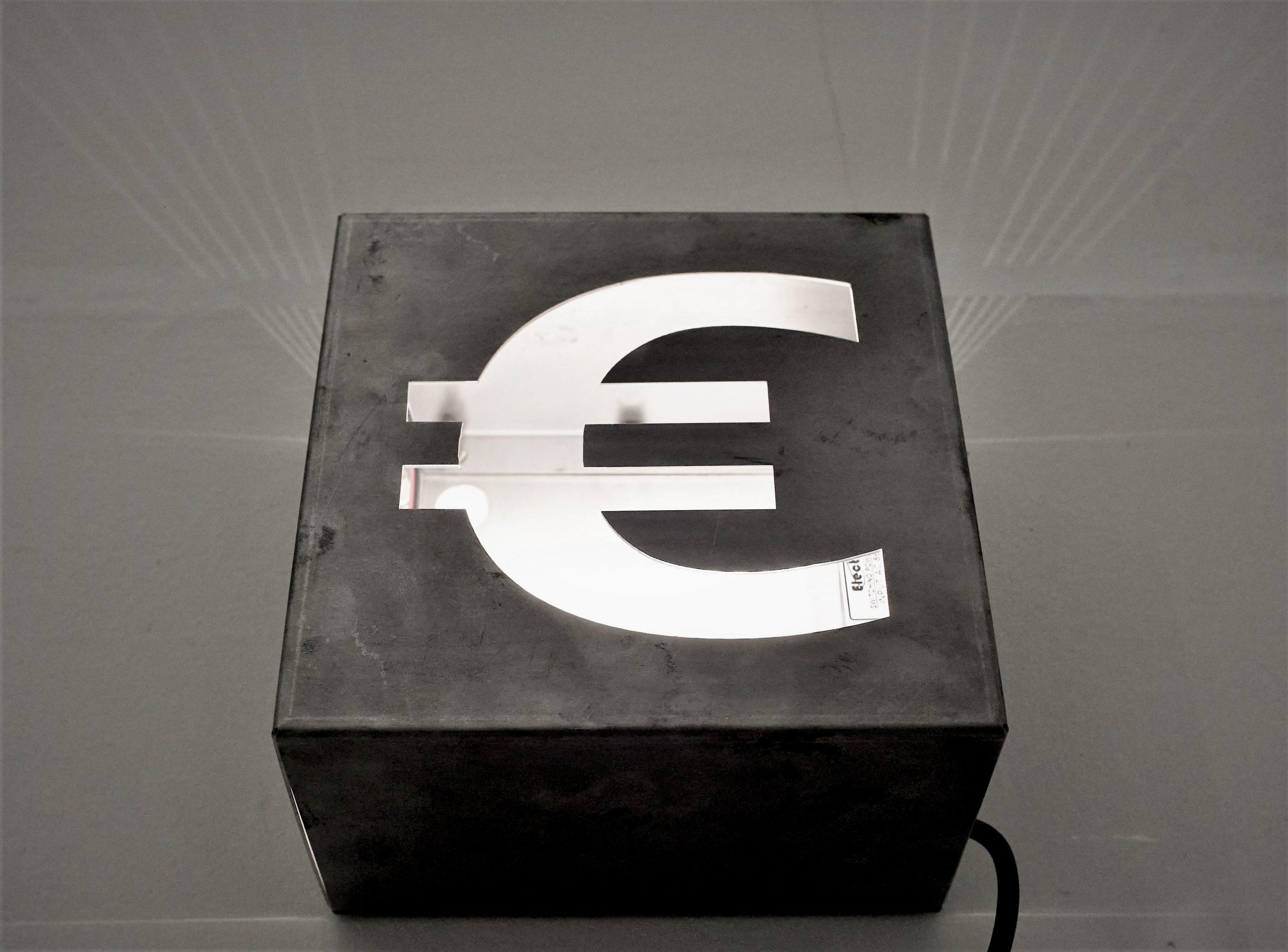 "<img src=""Marco-Piantoni-euro-scaled.jpg"" alt=""piantoni euro steel""/>"